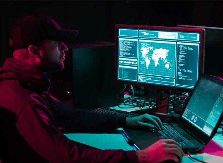 DDOS Angriff Hacker